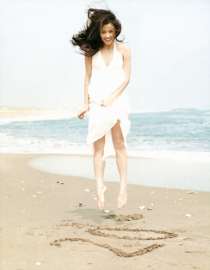 【黒木メイサグラビア画像】女優に歌手にモデルと様々な活躍をしている美女画像 12