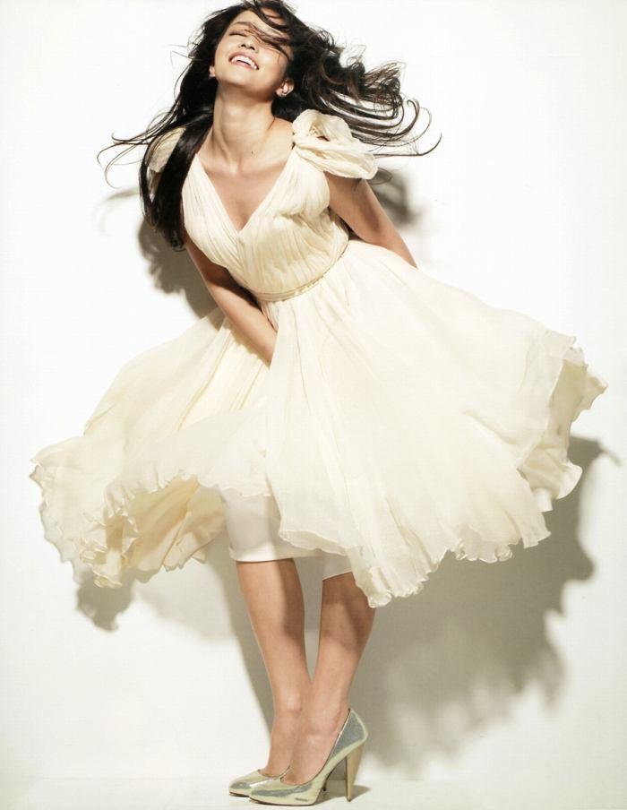 【黒木メイサグラビア画像】女優に歌手にモデルと様々な活躍をしている美女画像 23
