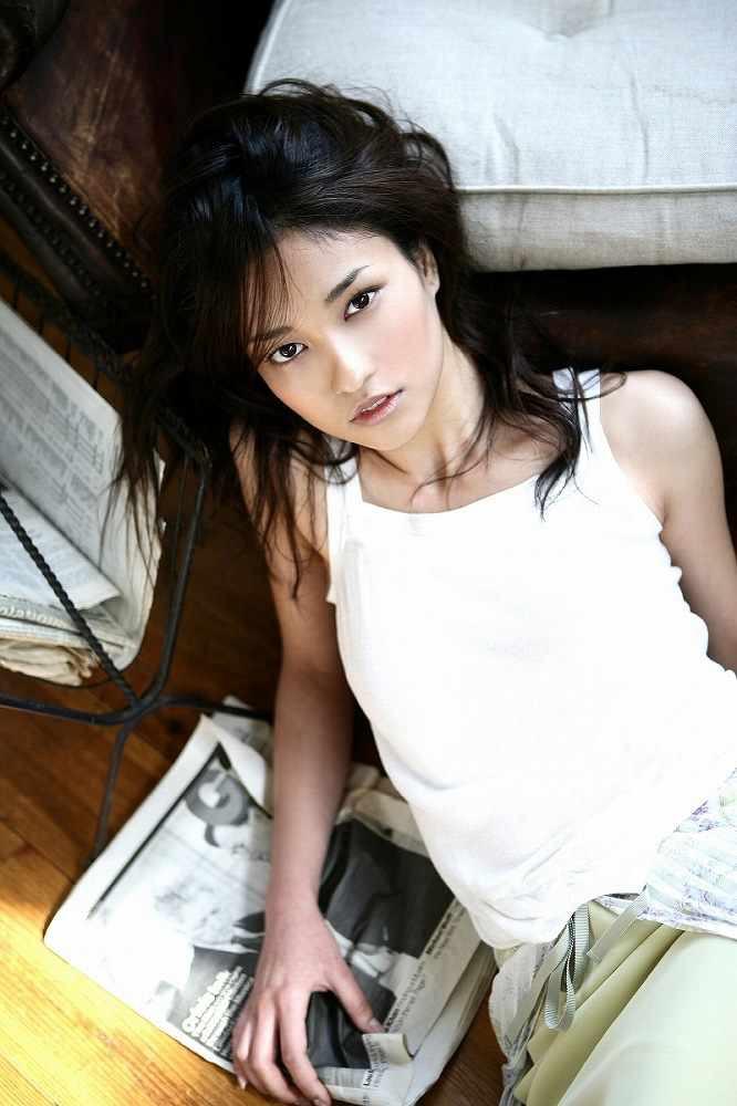 【黒木メイサグラビア画像】女優に歌手にモデルと様々な活躍をしている美女画像 42