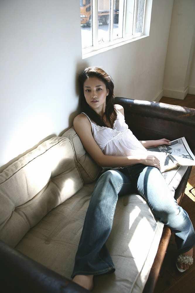 【黒木メイサグラビア画像】女優に歌手にモデルと様々な活躍をしている美女画像 53