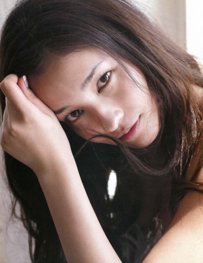 【黒木メイサグラビア画像】女優に歌手にモデルと様々な活躍をしている美女画像 70