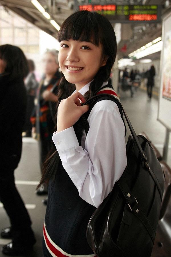 【小島藤子グラビア画像】NHKの朝ドラで話題になり映画主演も果たした女優の可愛い写真画像 05
