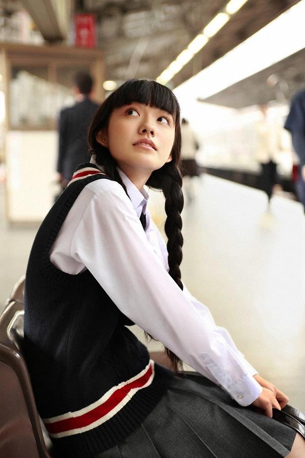 【小島藤子グラビア画像】NHKの朝ドラで話題になり映画主演も果たした女優の可愛い写真画像 16