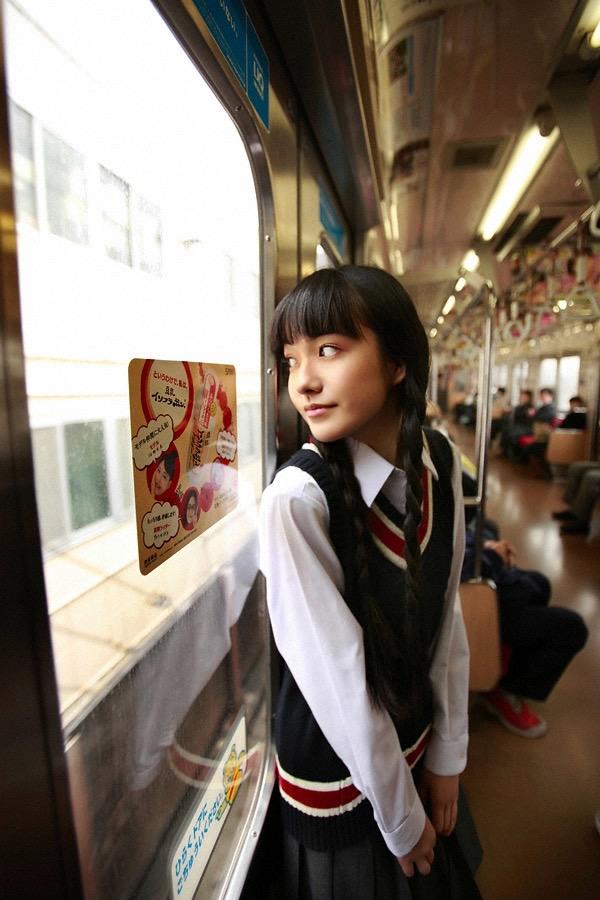 【小島藤子グラビア画像】NHKの朝ドラで話題になり映画主演も果たした女優の可愛い写真画像 17