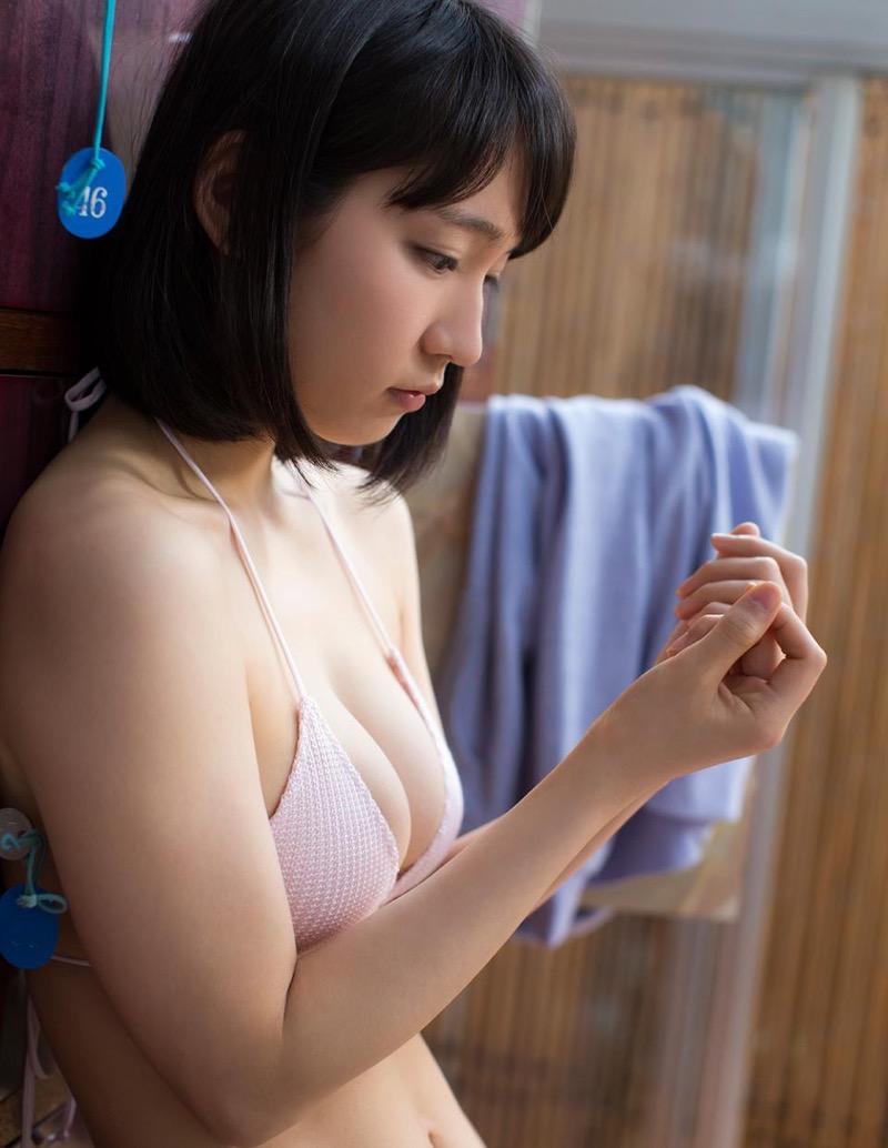 【吉岡里帆グラビア画像】どんぎつねでの可愛さに注目された美人女優のセクシー写真! 14