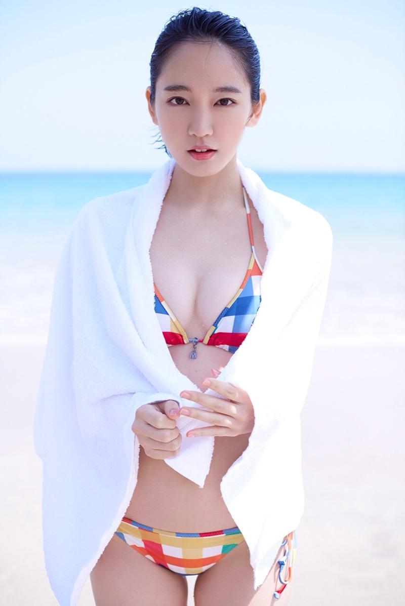【吉岡里帆グラビア画像】どんぎつねでの可愛さに注目された美人女優のセクシー写真! 20