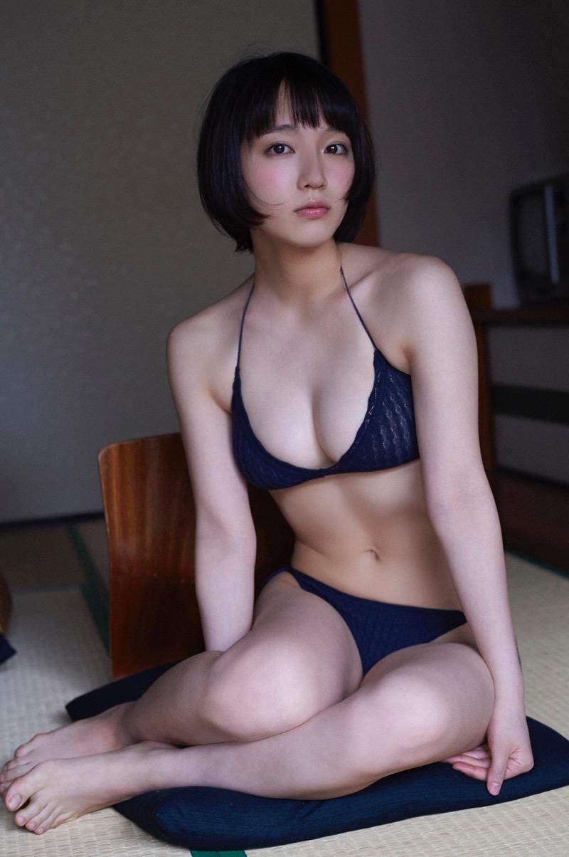 【吉岡里帆グラビア画像】どんぎつねでの可愛さに注目された美人女優のセクシー写真! 34