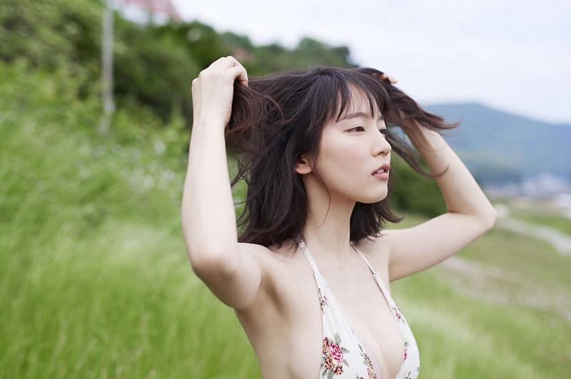 【吉岡里帆グラビア画像】どんぎつねでの可愛さに注目された美人女優のセクシー写真! 44