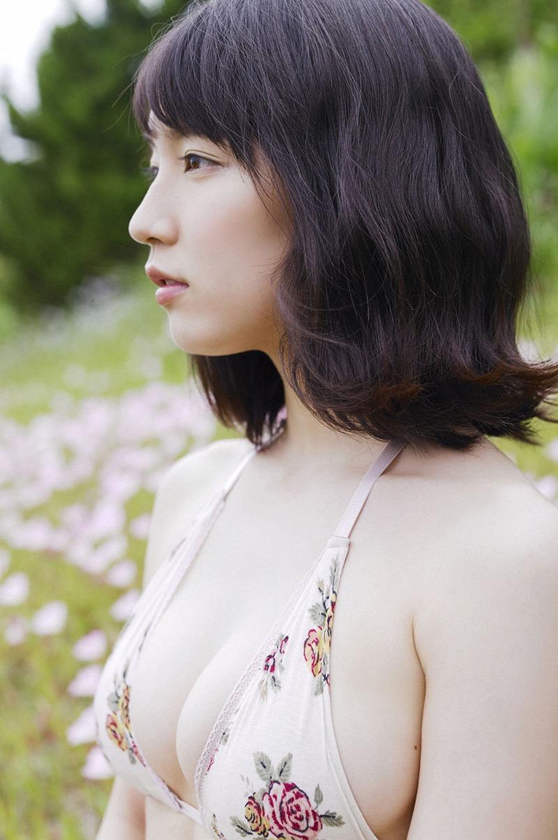 【吉岡里帆グラビア画像】どんぎつねでの可愛さに注目された美人女優のセクシー写真! 45