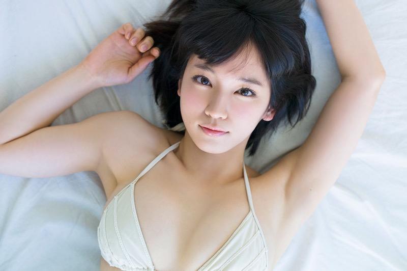 【吉岡里帆グラビア画像】どんぎつねでの可愛さに注目された美人女優のセクシー写真! 48