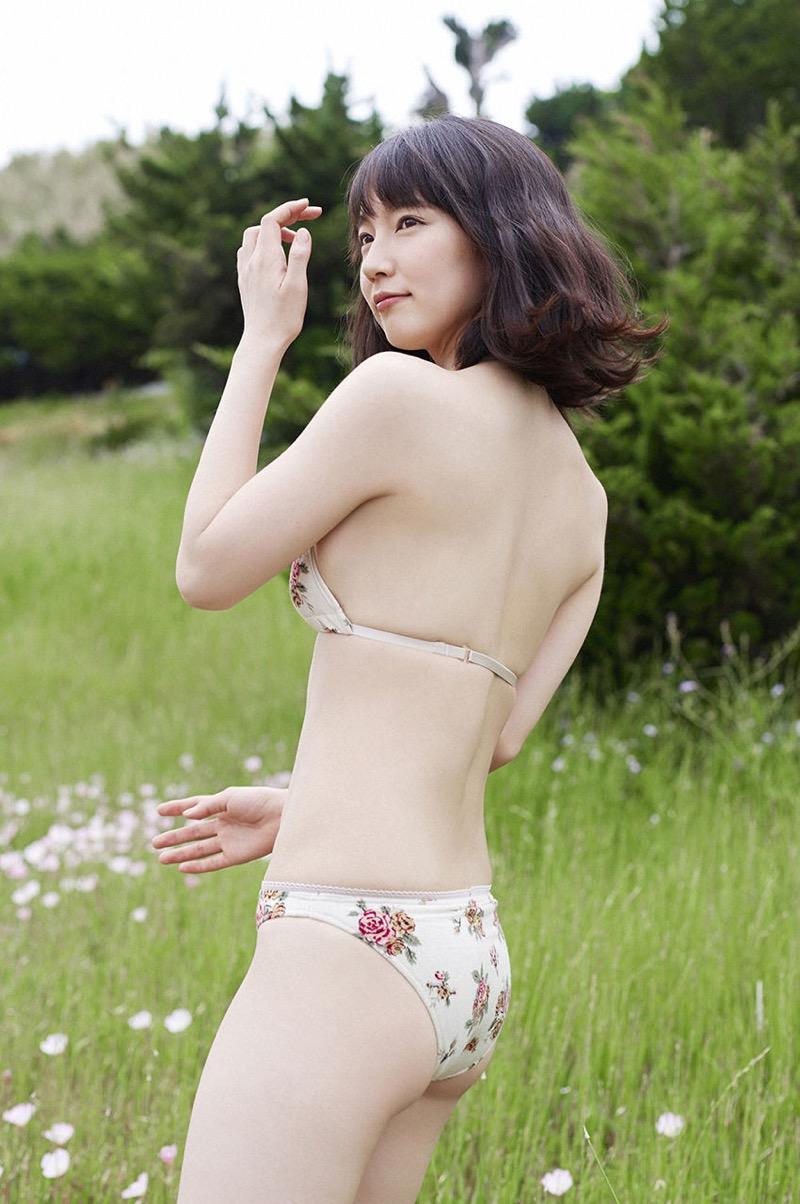 【吉岡里帆グラビア画像】どんぎつねでの可愛さに注目された美人女優のセクシー写真! 51
