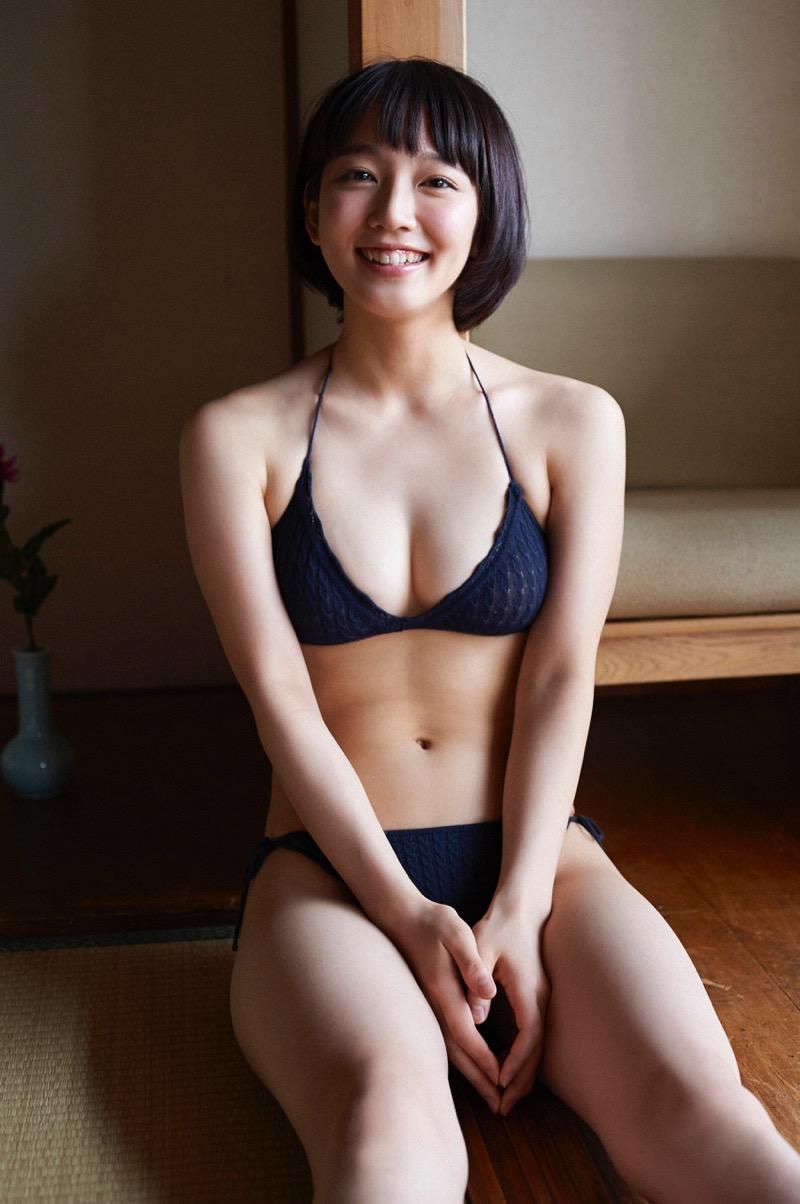 【吉岡里帆グラビア画像】どんぎつねでの可愛さに注目された美人女優のセクシー写真! 53