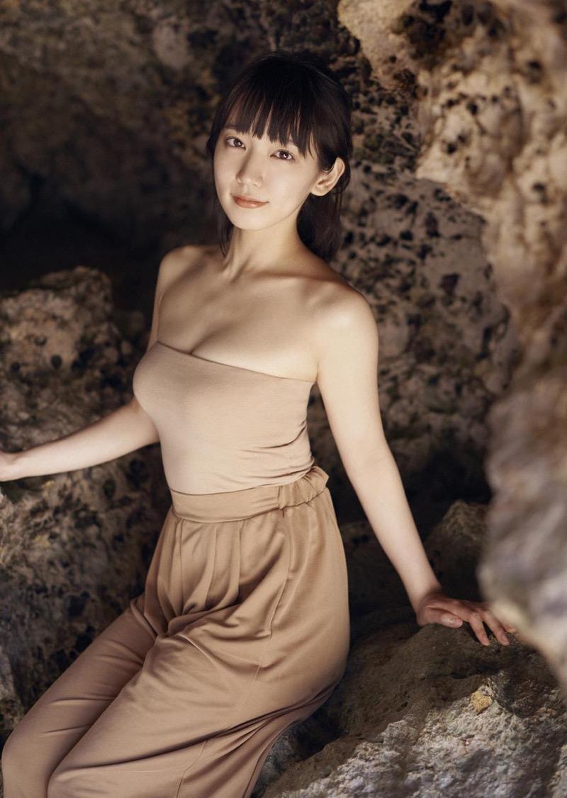 【吉岡里帆グラビア画像】どんぎつねでの可愛さに注目された美人女優のセクシー写真! 55