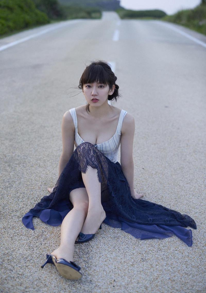 【吉岡里帆グラビア画像】どんぎつねでの可愛さに注目された美人女優のセクシー写真! 56