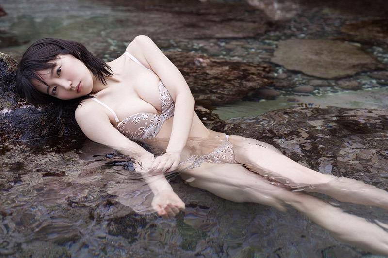 【吉岡里帆グラビア画像】どんぎつねでの可愛さに注目された美人女優のセクシー写真! 59