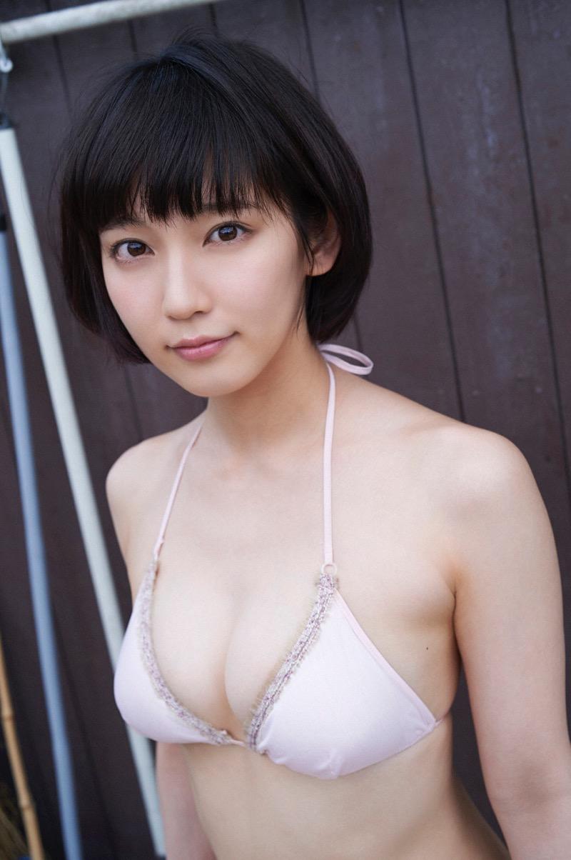 【吉岡里帆グラビア画像】どんぎつねでの可愛さに注目された美人女優のセクシー写真! 62