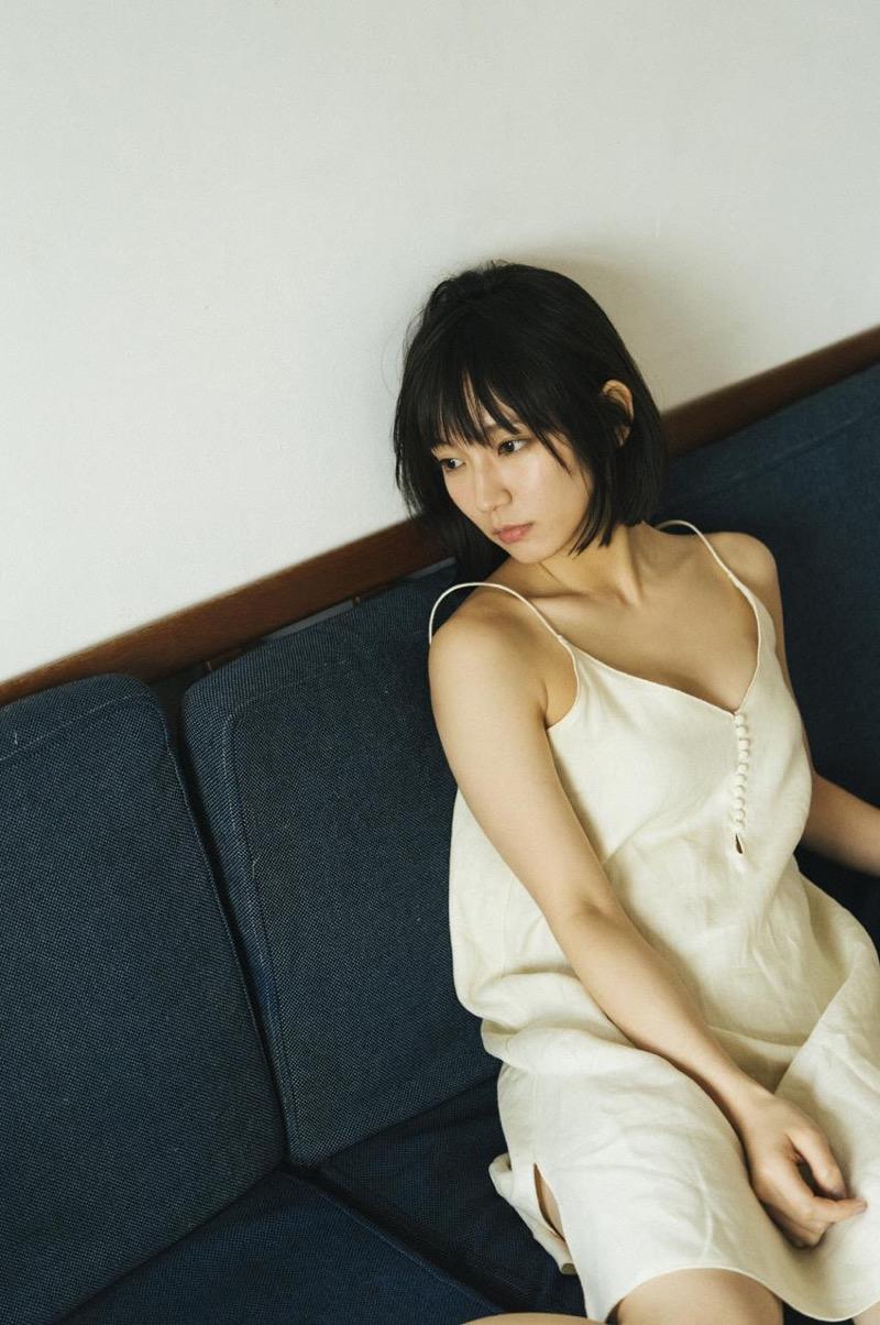 【吉岡里帆グラビア画像】どんぎつねでの可愛さに注目された美人女優のセクシー写真! 75