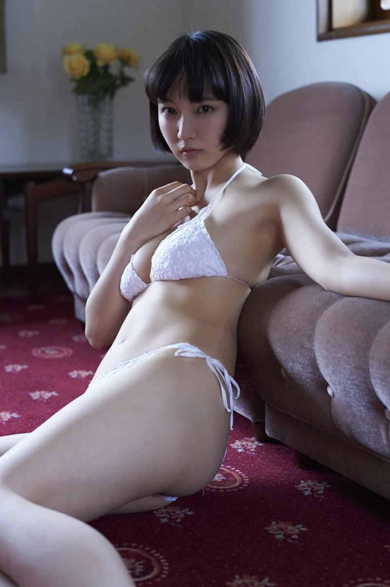 【吉岡里帆グラビア画像】どんぎつねでの可愛さに注目された美人女優のセクシー写真! 84