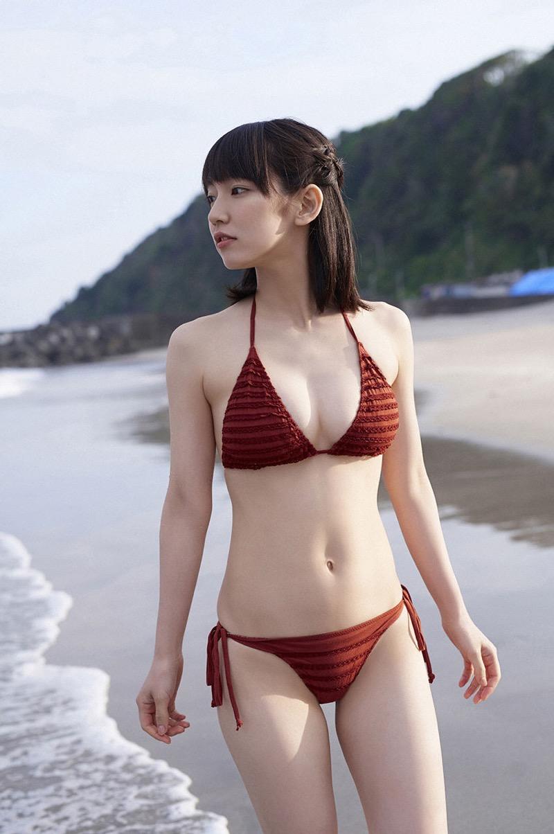 【吉岡里帆グラビア画像】どんぎつねでの可愛さに注目された美人女優のセクシー写真! 90