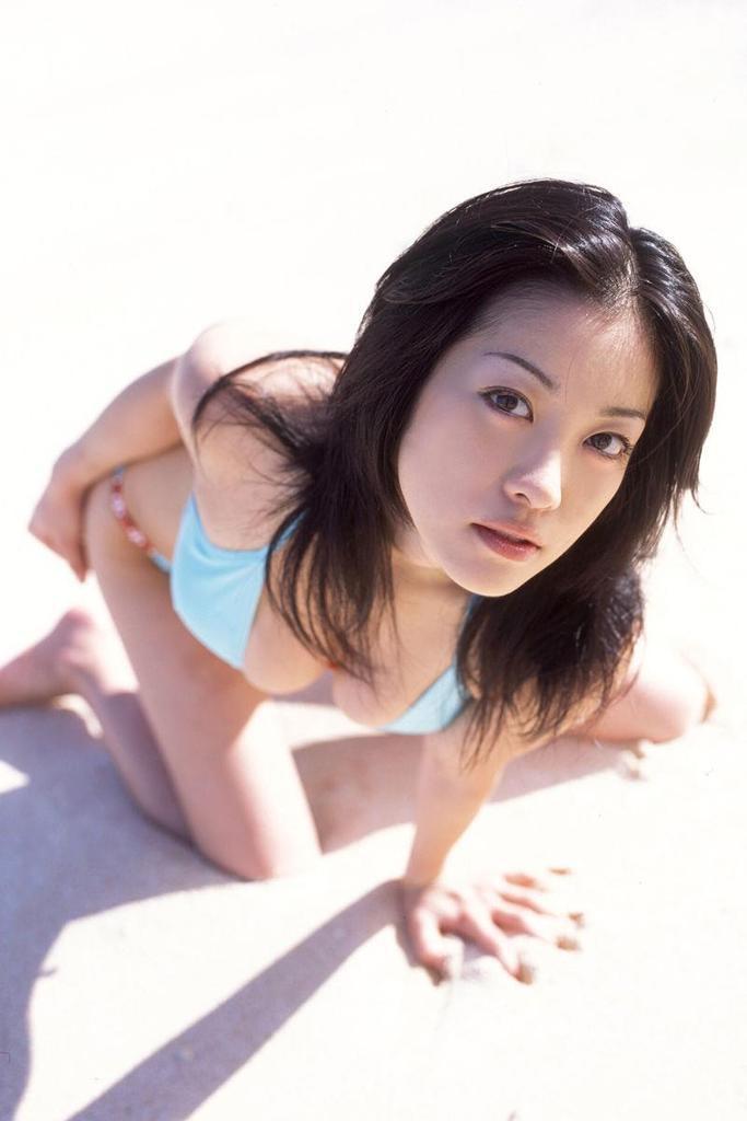 【小向美奈子グラビア画像】スライム巨乳で有名なAV女優に転身したグラビアアイドル 03