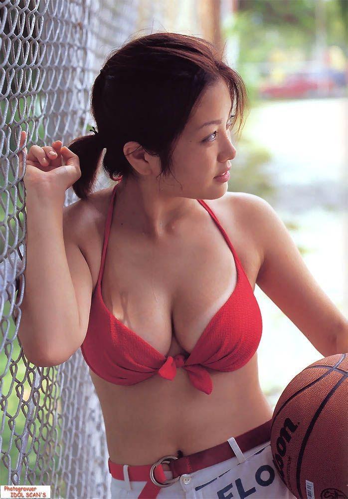 【小向美奈子グラビア画像】スライム巨乳で有名なAV女優に転身したグラビアアイドル 10