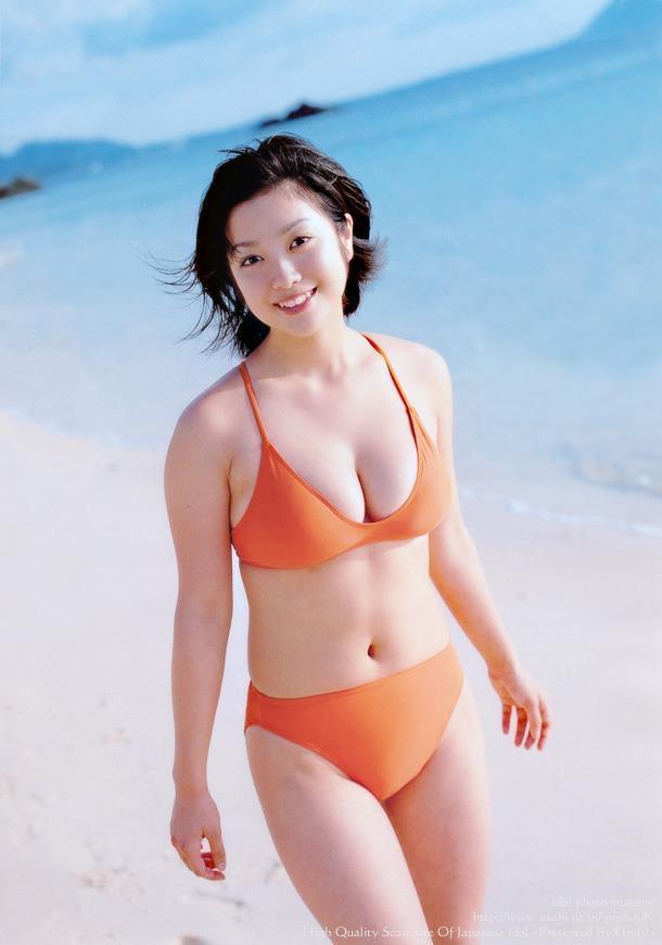 【小向美奈子グラビア画像】スライム巨乳で有名なAV女優に転身したグラビアアイドル 16
