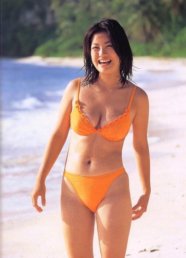 【小向美奈子グラビア画像】スライム巨乳で有名なAV女優に転身したグラビアアイドル 17