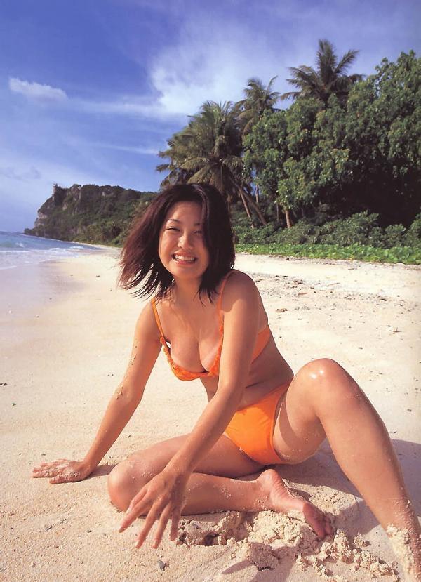 【小向美奈子グラビア画像】スライム巨乳で有名なAV女優に転身したグラビアアイドル 18