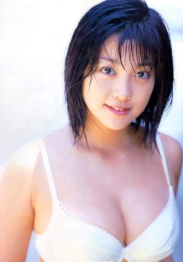 【小向美奈子グラビア画像】スライム巨乳で有名なAV女優に転身したグラビアアイドル 27