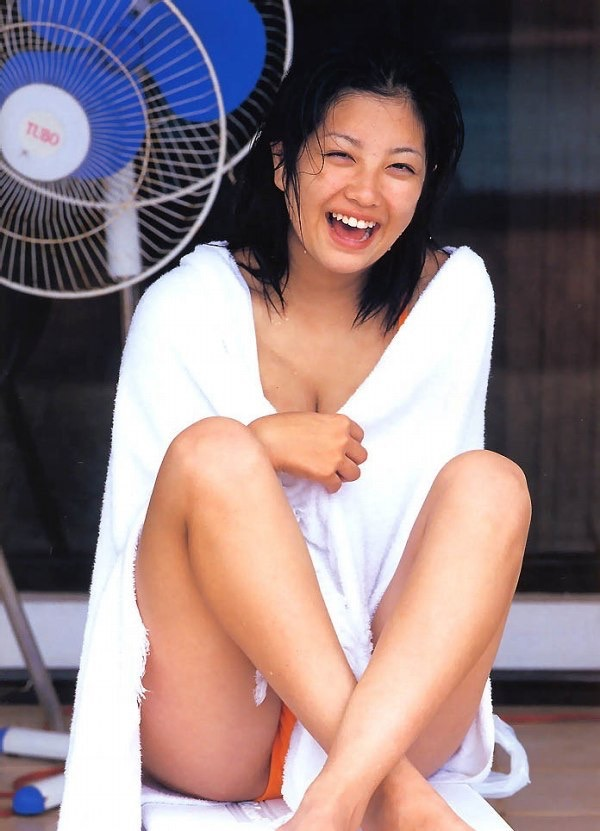 【小向美奈子グラビア画像】スライム巨乳で有名なAV女優に転身したグラビアアイドル 35