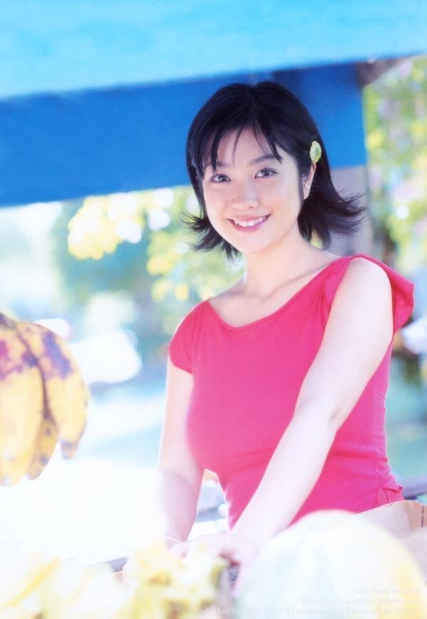【小向美奈子グラビア画像】スライム巨乳で有名なAV女優に転身したグラビアアイドル 39