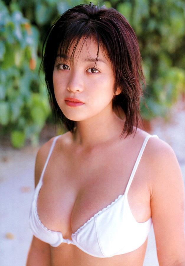 【小向美奈子グラビア画像】スライム巨乳で有名なAV女優に転身したグラビアアイドル 52