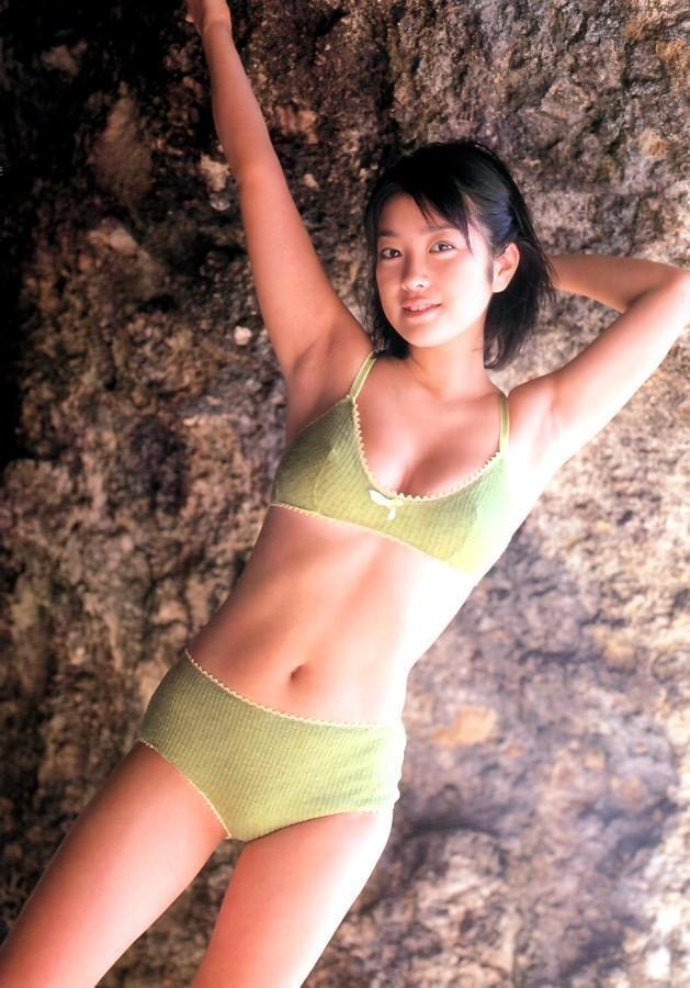 【小向美奈子グラビア画像】スライム巨乳で有名なAV女優に転身したグラビアアイドル 54