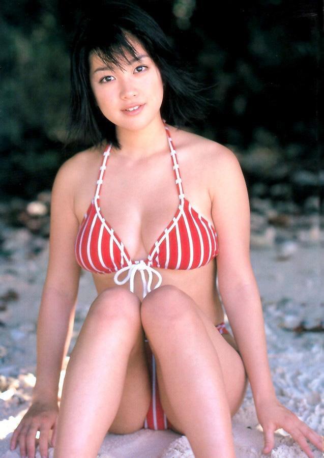 【小向美奈子グラビア画像】スライム巨乳で有名なAV女優に転身したグラビアアイドル 65