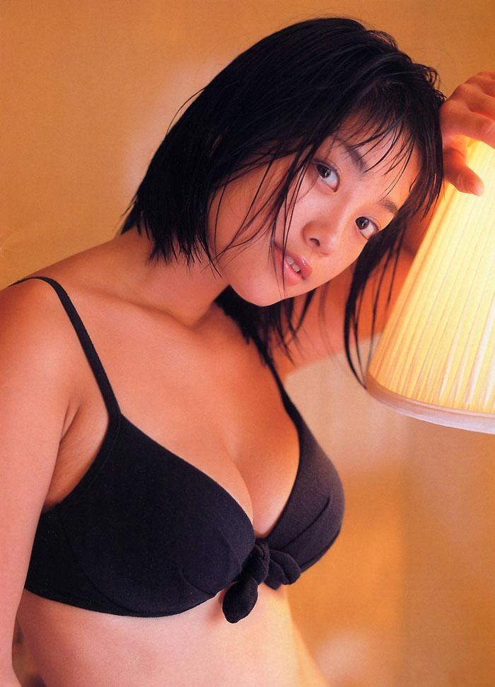 【小向美奈子グラビア画像】スライム巨乳で有名なAV女優に転身したグラビアアイドル 75