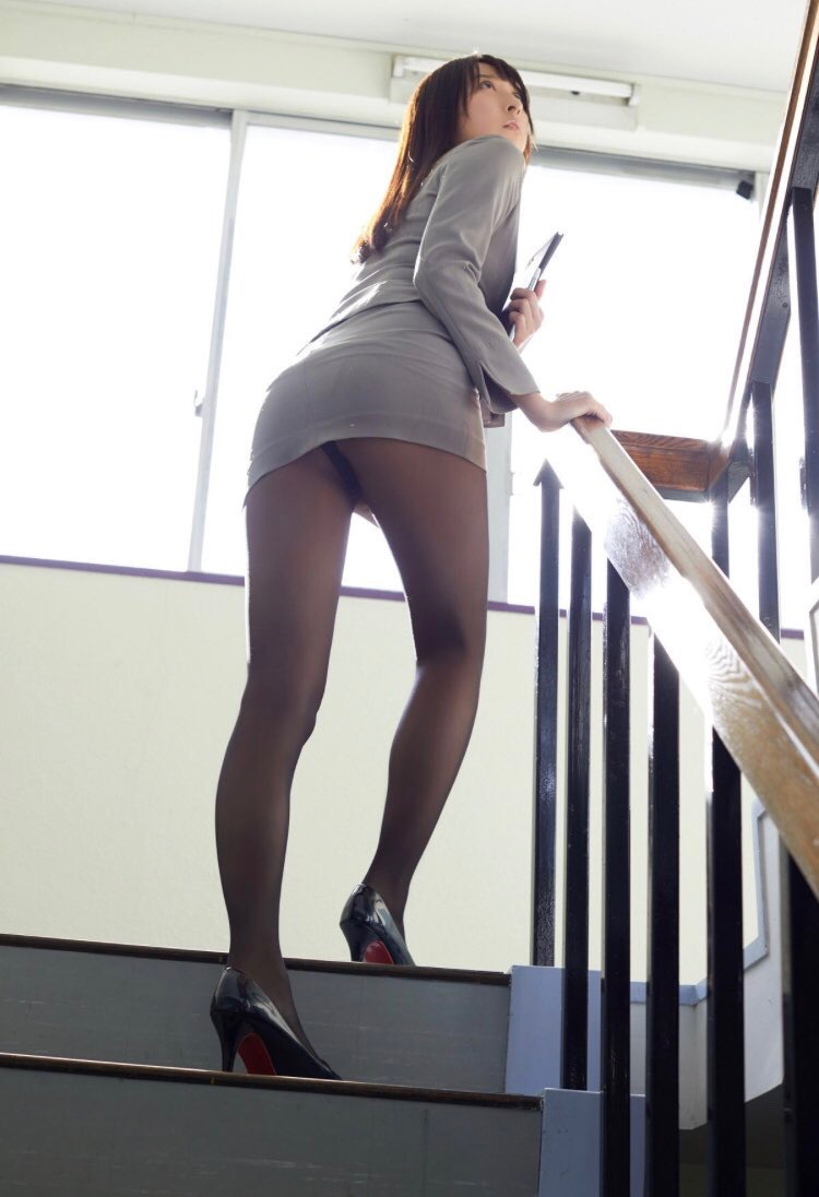 【緒方咲グラビア画像】高身長でスタイル抜群の美尻がめちゃくちゃエロいグラビアアイドル 44