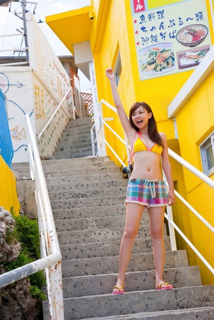 【虎南有香グラビア画像】中学生時代からファッションモデルの健康的なビキニ写真集! 38