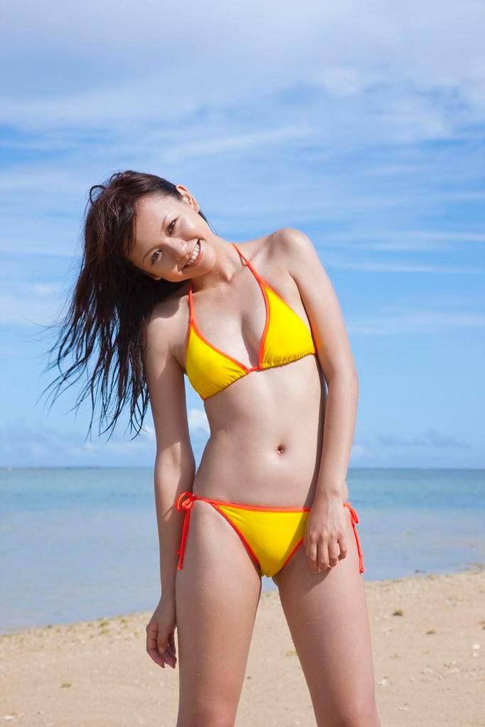 【虎南有香グラビア画像】中学生時代からファッションモデルの健康的なビキニ写真集! 45