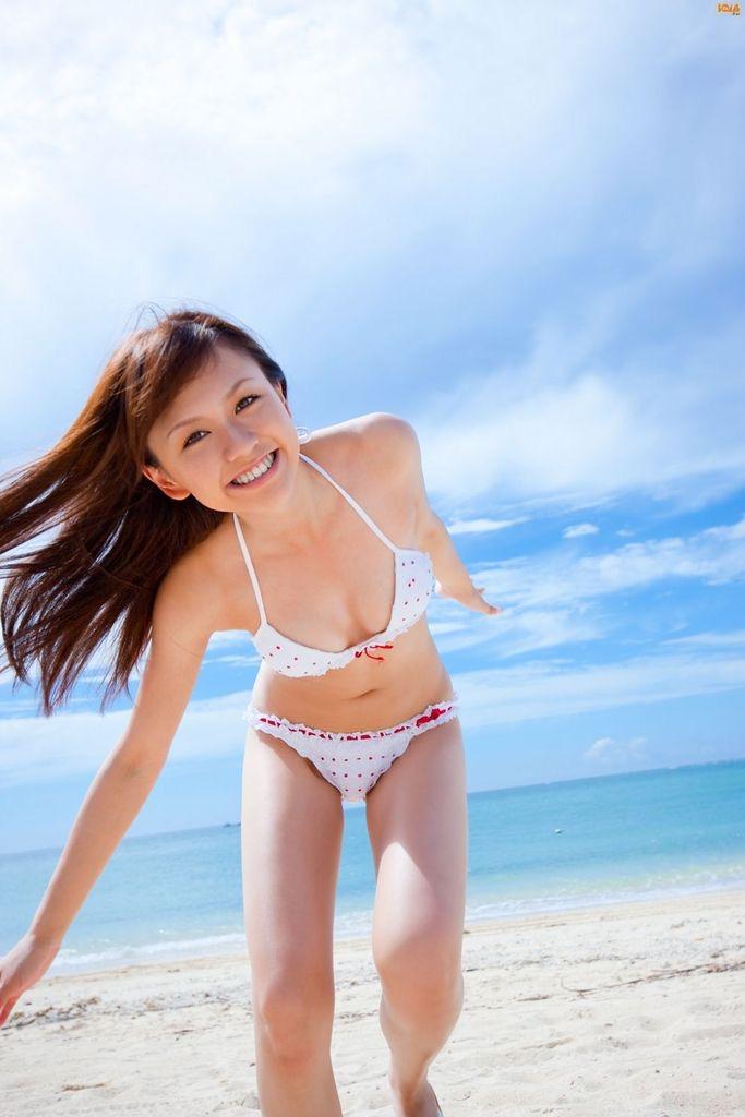 【虎南有香グラビア画像】中学生時代からファッションモデルの健康的なビキニ写真集! 69