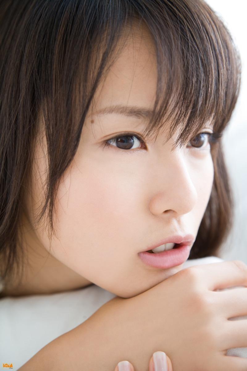 【唇がエロい美女画像】ぷりっと柔らかくて美味しそうな唇してるタレント美女画像 24