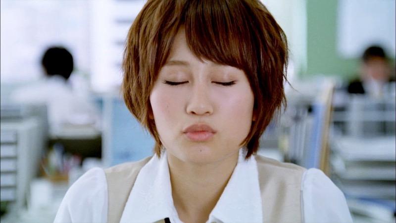 【唇がエロい美女画像】ぷりっと柔らかくて美味しそうな唇してるタレント美女画像 40