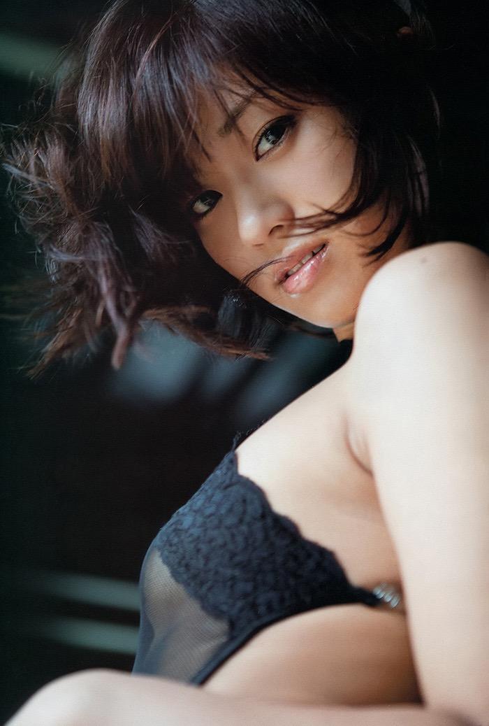 【唇がエロい美女画像】ぷりっと柔らかくて美味しそうな唇してるタレント美女画像 55