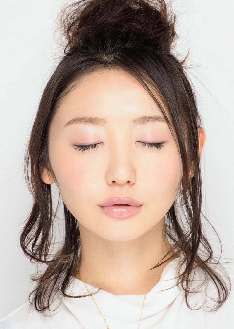 【唇がエロい美女画像】ぷりっと柔らかくて美味しそうな唇してるタレント美女画像 56