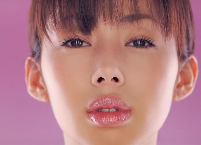 【唇がエロい美女画像】ぷりっと柔らかくて美味しそうな唇してるタレント美女画像 79