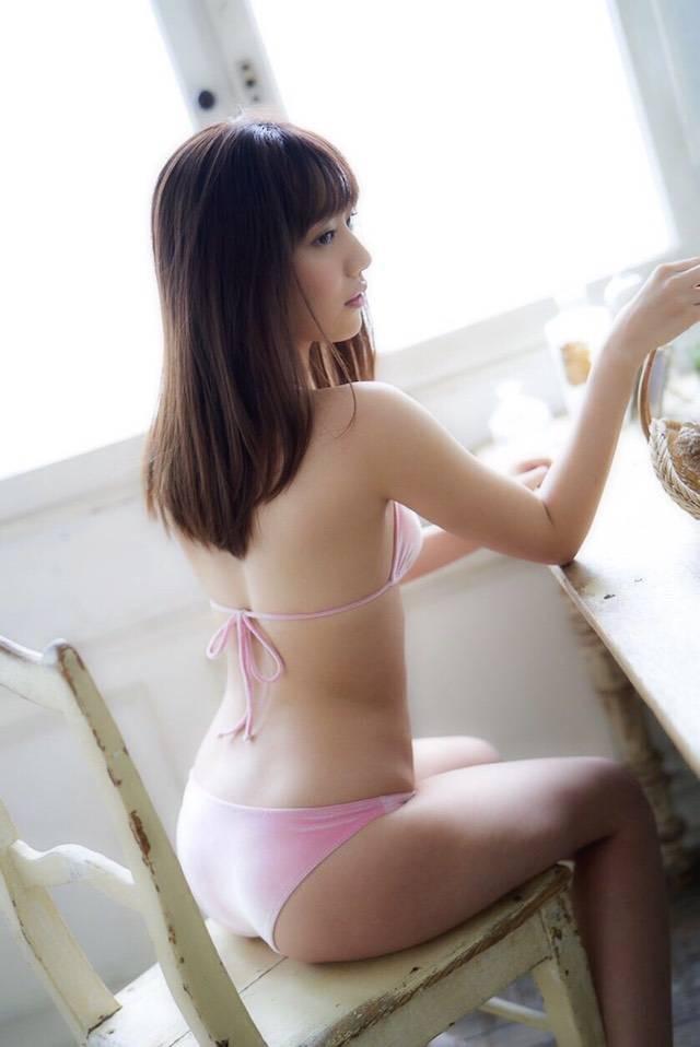 【関根優那エロ画像】グループ解散を機会にグラビアアイドルへ転身した美少女画像 25