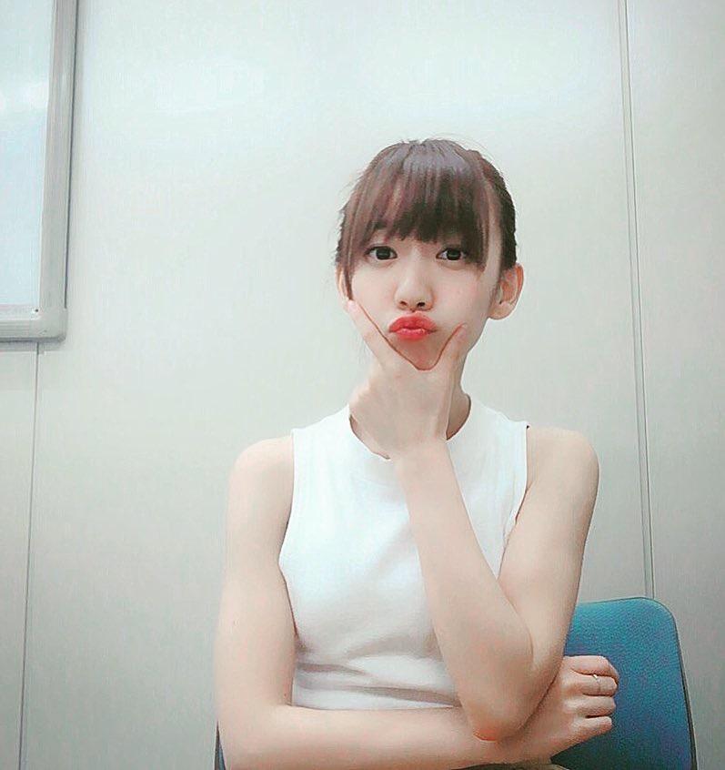 【関根優那エロ画像】グループ解散を機会にグラビアアイドルへ転身した美少女画像 27