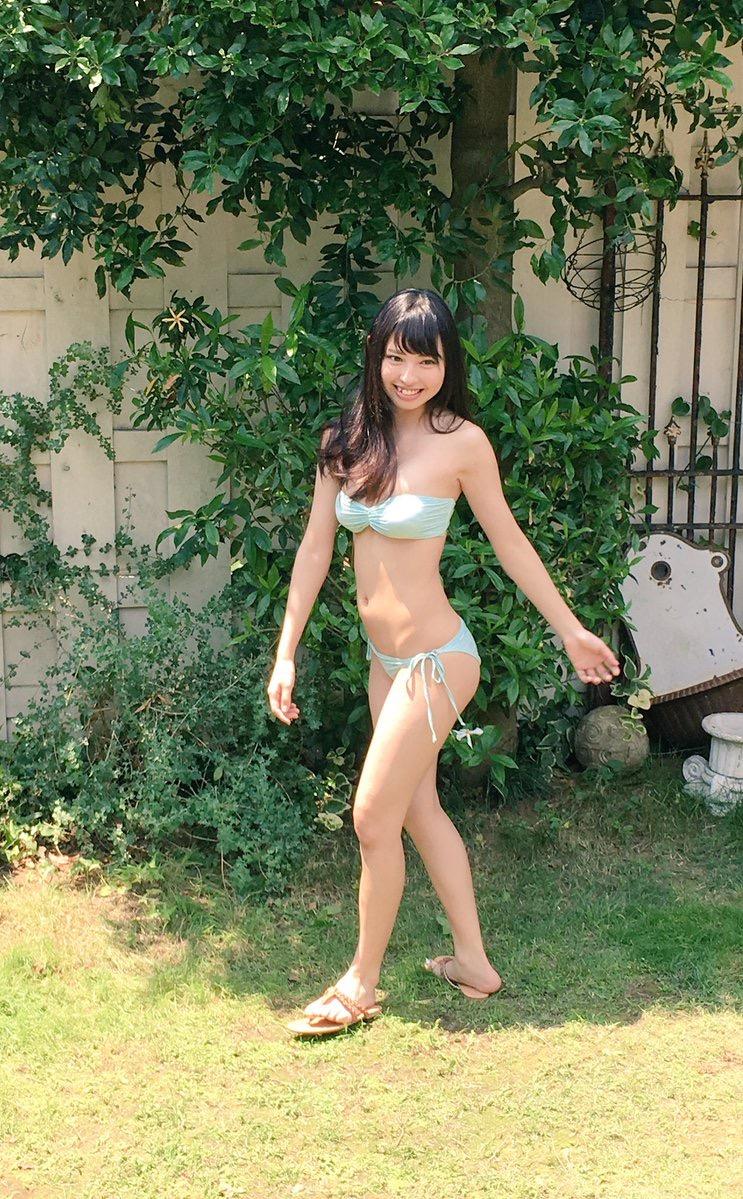 【沖口優奈グラビア画像】八重歯が特徴的で可愛らしい美少女アイドルのエロ写真! 16