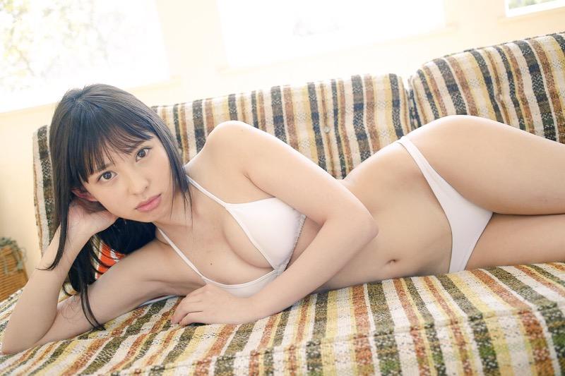 【沖口優奈グラビア画像】八重歯が特徴的で可愛らしい美少女アイドルのエロ写真! 21