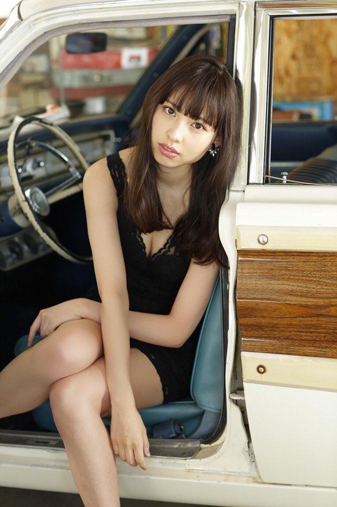 【沖口優奈グラビア画像】八重歯が特徴的で可愛らしい美少女アイドルのエロ写真! 27