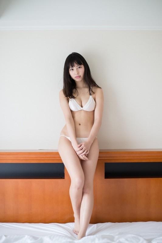 【沖口優奈グラビア画像】八重歯が特徴的で可愛らしい美少女アイドルのエロ写真! 43